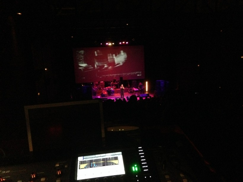 Universe217 live @ trianon cinema, athens
